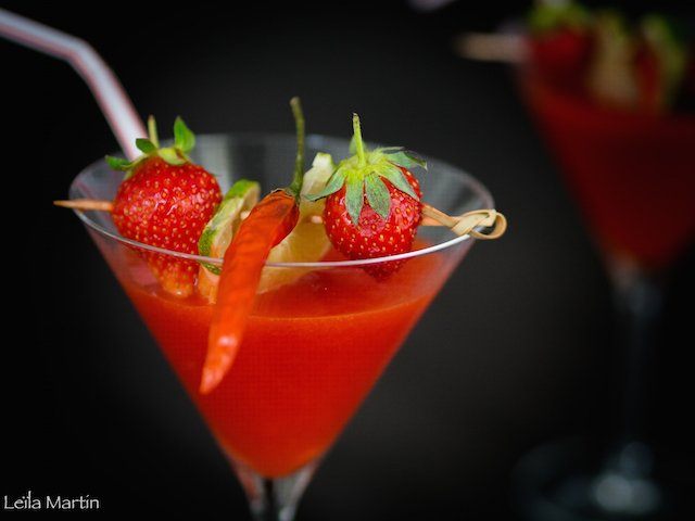 un cocktail à la fraise, tequila et piment