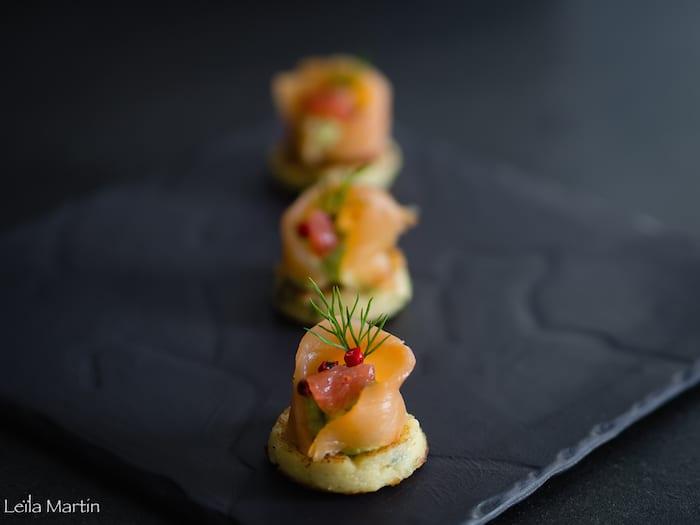 recette de saumon et crème d'avocat sur Griesknepfle aux herbes