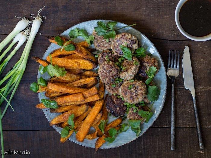 recette de Fleischkiechle de canard sauce Teriaky, frites de patates douces au four