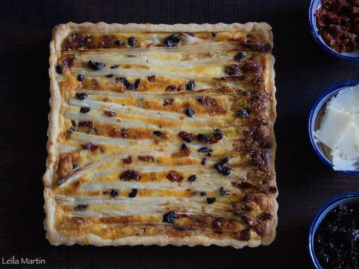 recette de quiche aux asperges olives noire et parmesan