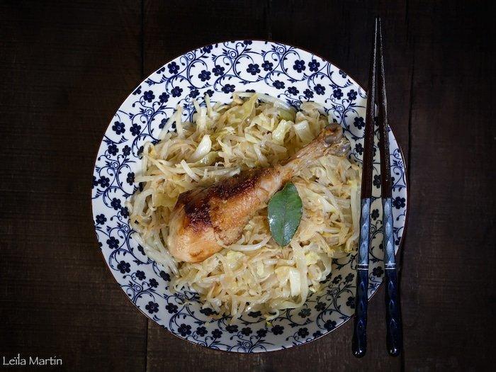 Wok de pilons de poulet à la choucroute, au chou blanc et germes de soja