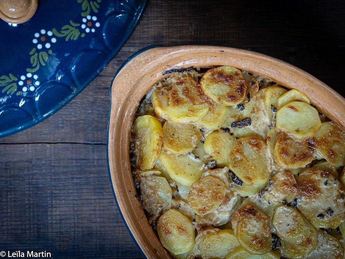 recette de baeckeoffe de poularde au vin jaune et aux morilles