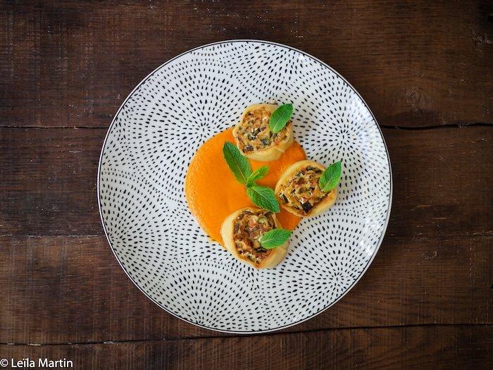 Recette de fleischschnacka de courgette, feta, menthe et citron confit, sauce tomate au raz-el-hanout