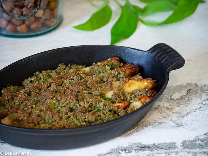 recettes d'asperges gratinées streusel d'ail des ours et noisettes